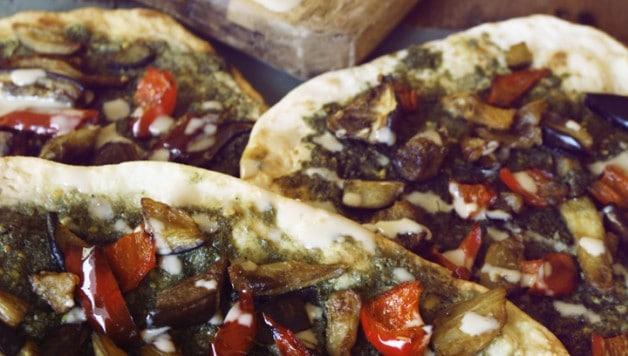 Naan Za'tar Pizza 05